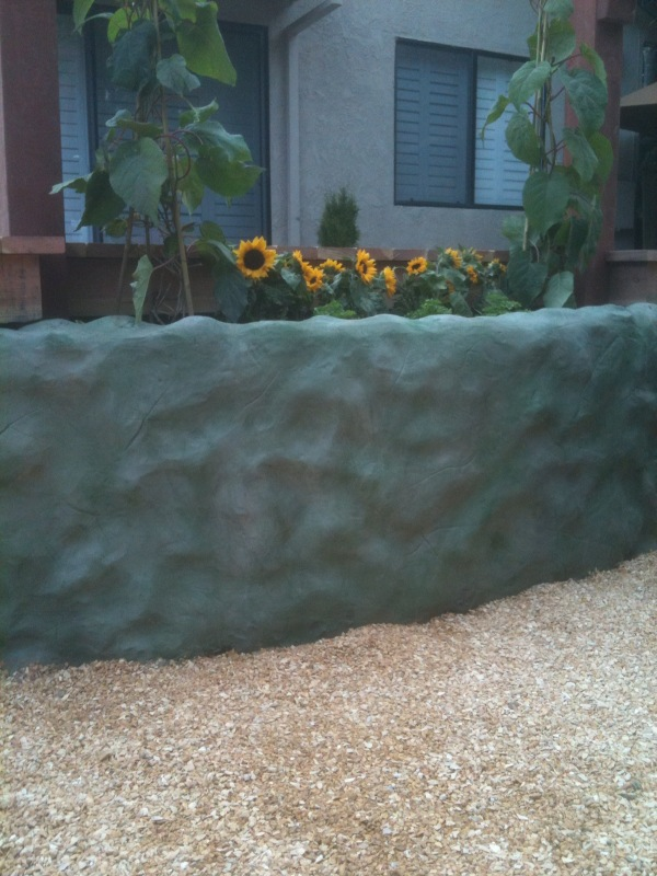 Wall at the Deck Planter was created by a direct application of Darjit